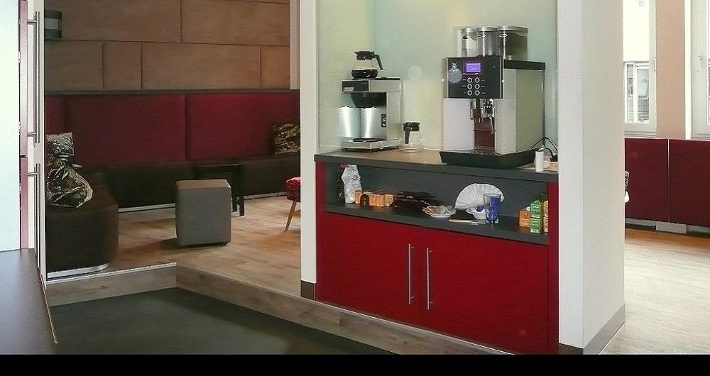 ETHALON GMBH HAMBURG | BÜRO-INNENAUSBAU Kaffeestation: Werkplanung, Ausschreibung, Vergabe und Bauleitung für NH-Architekten