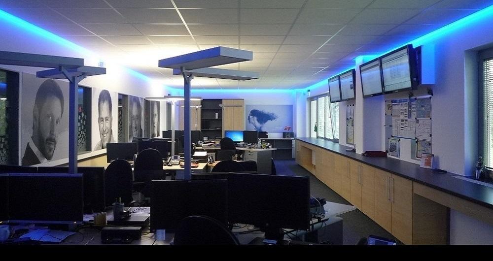 VERLAAT SYSTEMS HENSTEDT-ULZBURG | INNENAUSBAU Neues Büro Systemtechnik: Entwurf, Werkplanung, Ausschreibung, Vergabe und Bauleitung