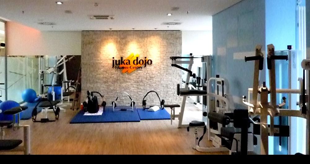 JUKA DOJO HAMBURG | MODERNISIERUNG Interne Shopfassade mit Tresen: Werkplanung, Aussschreibung, Vergabe und Bauleitung für NH-Architekten