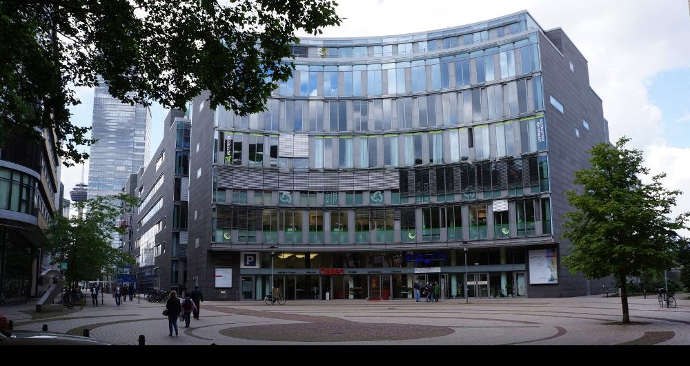KÖLN MEDIAPARK | ORTHOPÄDIE-FACHGESCHÄFT Ladenfassade: Projektsteuerung für shopcrea
